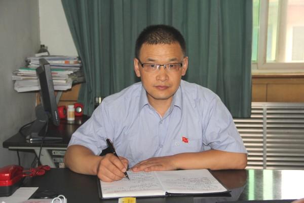 勇于奉献的践行者---vwin德赢投注德赢vwin米兰2014-2016年度四优共产党员刘国祥